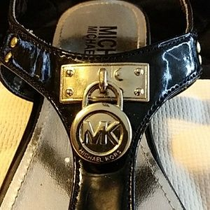 Michael Kors Moriah Patent leather Sandles